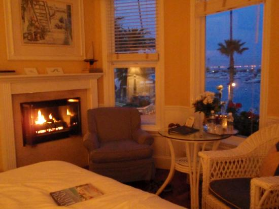 Snug Harbor Inn : View from the Santa Catalina Room