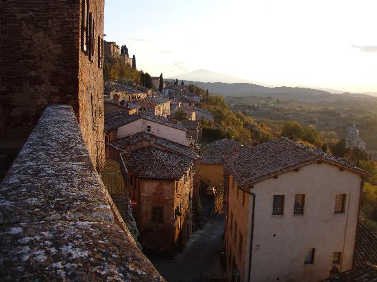 Tuscan Sunset in Montepulciano - Picture of Hotel Granducato ...