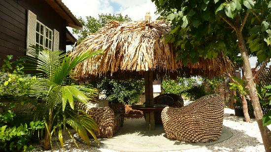 Bamboo Bali Bonaire Resort: Relaxarea behind the Java