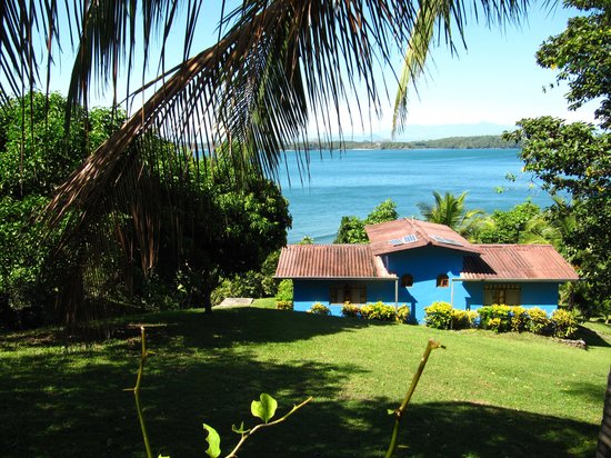 Pacific Bay Resort: Bungalows with gorgeous views