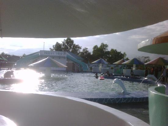 """Villa Caridad Resort and Restaurant: Highlander Water Park """"Mas Maganda"""""""