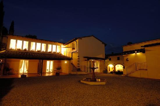 Marignolle Relais & Charme: Night view