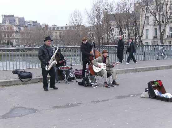 Paris, Frankrig: Buskers