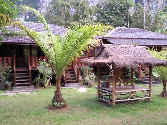 Aonang Mountain Paradise: allée