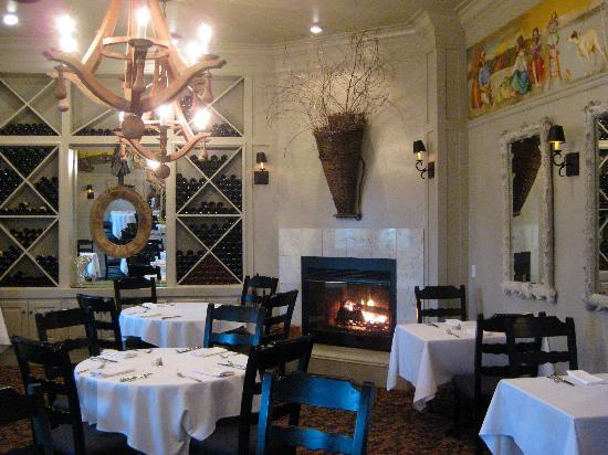 Farmhouse Inn & Restaurant: The wonderful restaurant