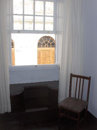 Hotel Aguere: Nice view from the window - a listed 19th century theatre