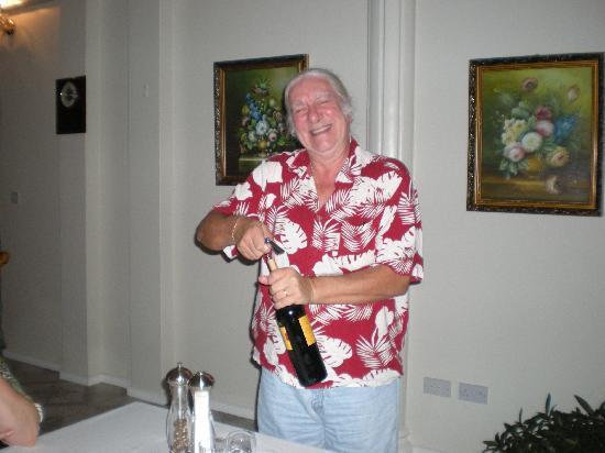Zamaca Bed & Breakfast: John opening wine