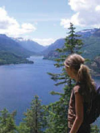 Strathcona Park Lodge & Outdoor Education Centre: view over Provincial Strathcona Park