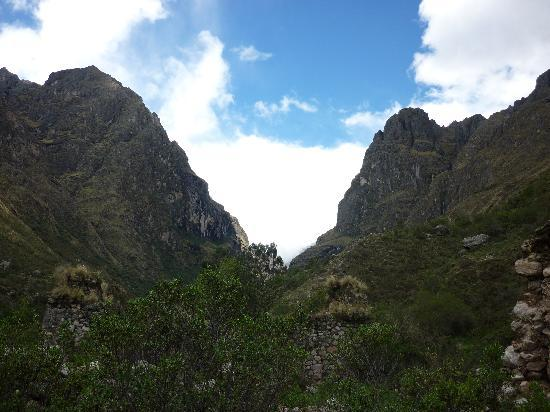 Cusco for You Salineras Ranch: ..a breathtaking Andean view..