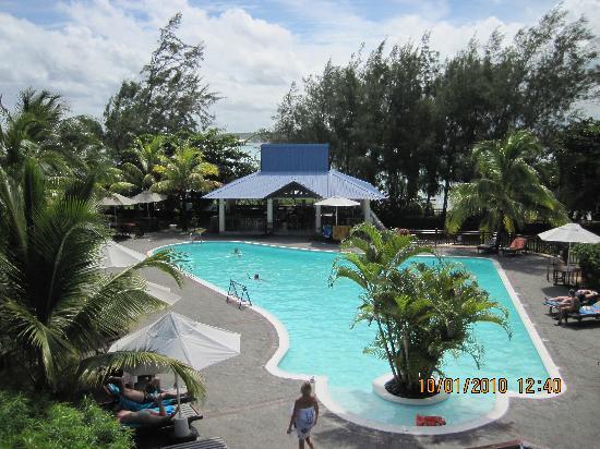 Le Peninsula Bay Beach Resort & Spa: swimming pool
