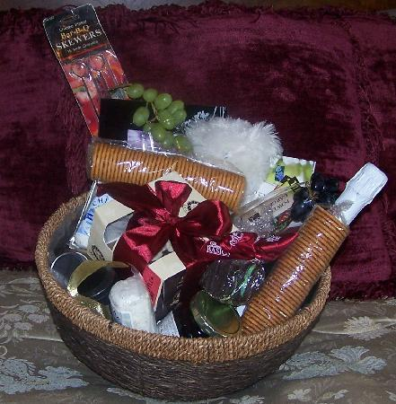 SunSet Acres Bed and Breakfast: gift basket