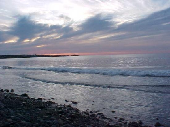 York Harbor, Μέιν: Sunrise on York Beach (with an old camera)