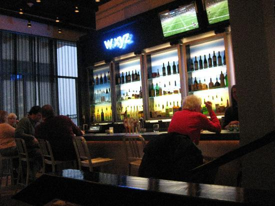 Aloft Green Bay: Bar