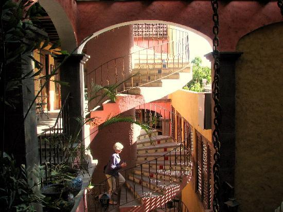Posada de las Flores Loreto: inside going up to your room