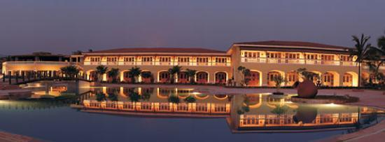 The LaLiT Golf & Spa Resort Goa: pool side