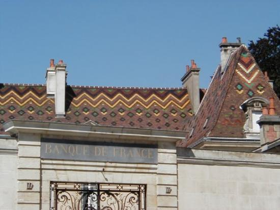 Dijon: Banque de France tile roof, July 2002