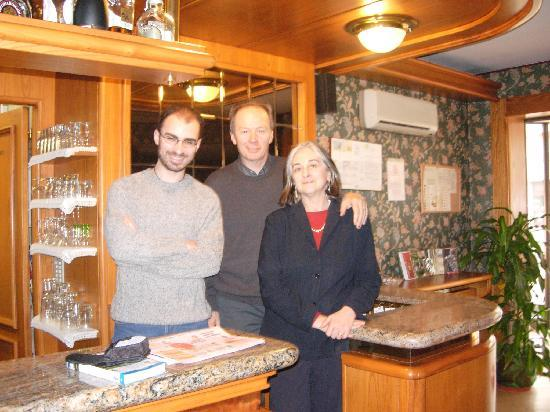 Ivrea, Włochy: With Mara and Luciano, lovely owners