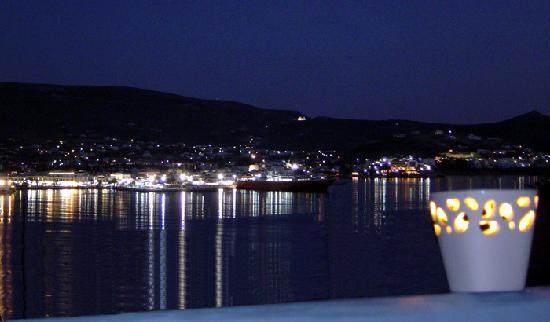 Paros Paradise Apartments: Paros Paradise night sea view