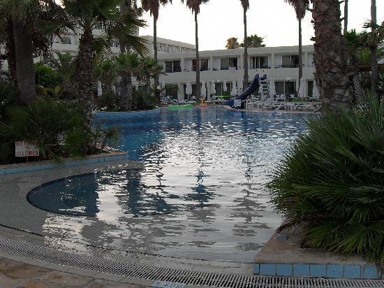 Dome Beach Hotel & Resort PAI: quieter pool