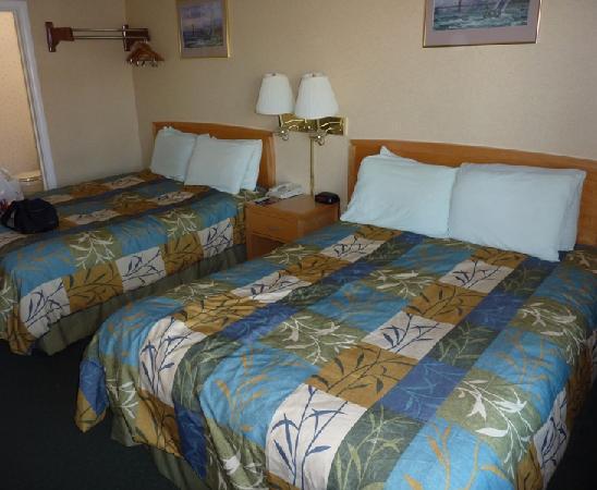 فرانسيسكو باي إن: Las dos camas
