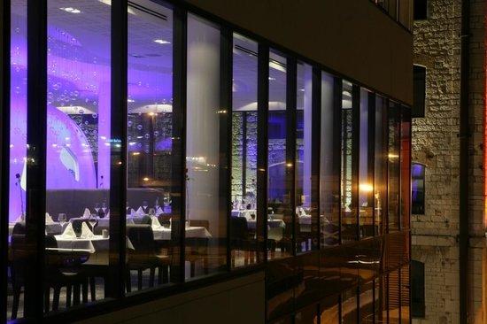 Dock of The Bay Restaurant: Couleurs de nuit