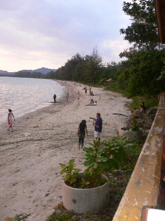 Ananta Burin Resort: nopparat thara beach - great for jogging