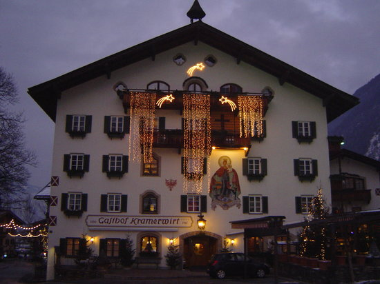 Alpenhotel Kramerwirt: The Kramerwirt by night in January 2010
