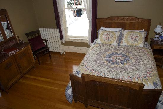 Sweet Dreams Heritage Inn : Sunflower Room
