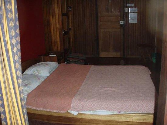 Hotel Amor de Mar: View of room from bathroom