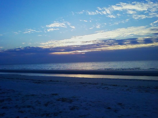 Pulau Sanibel, FL: early morning shelling