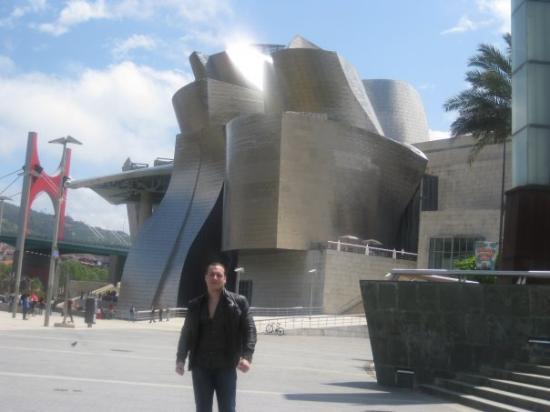 Bilbao / Guggenheim - ビルバオ...