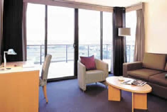 Parramatta Waldorf Apartment Hotel: modern apartment