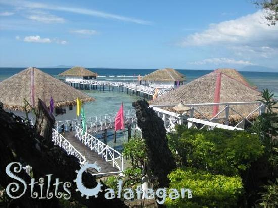 Calatagan, Filipinas: View of the Improved Floating Cottages