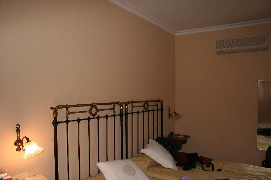 Hotel Don Carlos Caceres: habitación 2