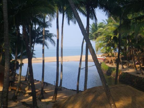 Dwarka Eco Beach Resort: The view from our hut