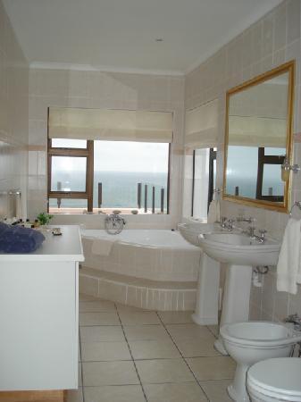 Shining Waters: bathroom