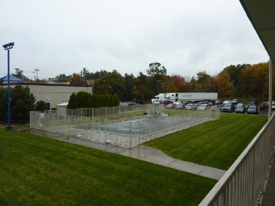 Motel 6 Boston - Tewksbury: Piscina