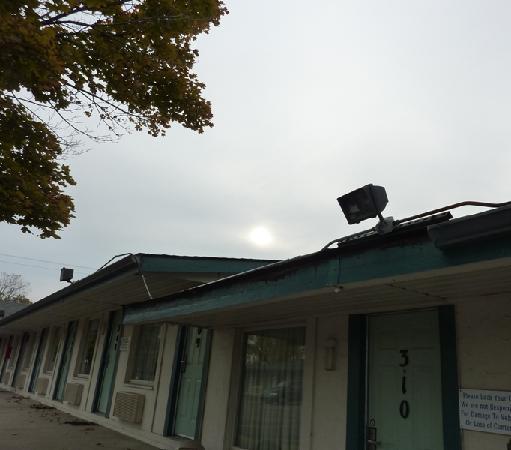 Motel 6 Kalamazoo: Exterior 2