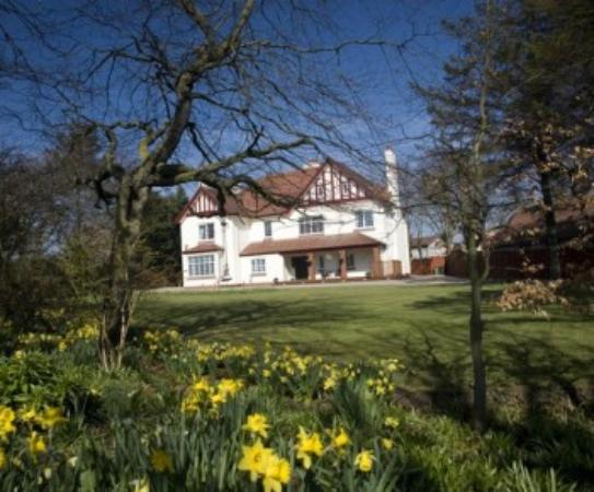 Brucefield Boutique B & B: Brucefield in the spring