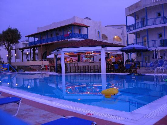 Stalis, Greece: pool & bar