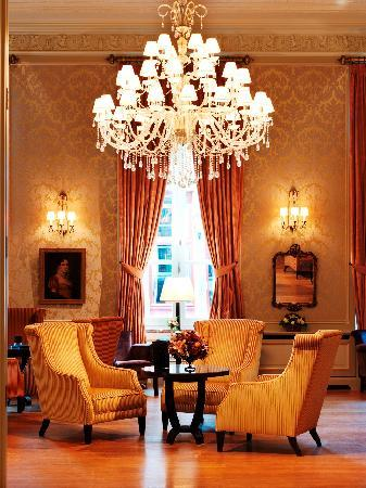Grand Hotel Casselbergh Bruges: Lobby lounge and bar