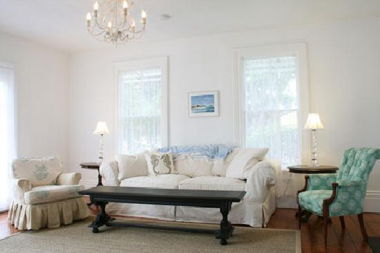 Linden House: Gracious living room - high ceilings & gorgeous redwood floors