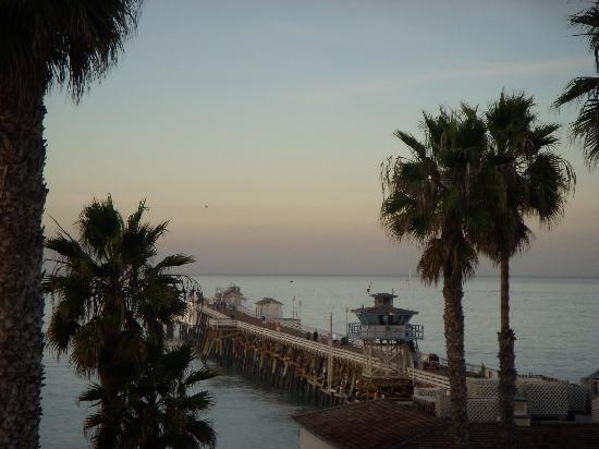 Casa Tropicana: Pier from my window!