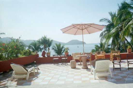 Madeira Beach Hotels Zihuatanejo