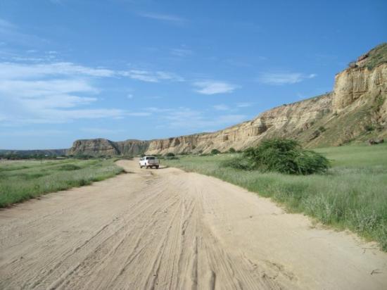 Benguela, Angola: Estrada para a Caotinha