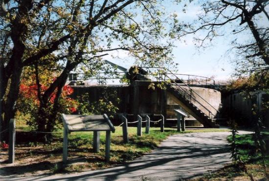 Sandy Hook, นิวเจอร์ซีย์: Battery Gunnison 6 inch Gun turret