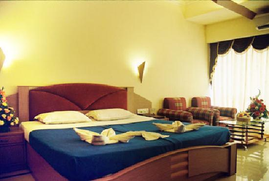 Silver Sands Beach Resort : Room
