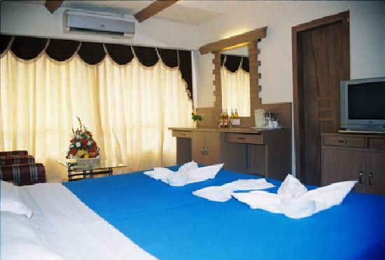 Silver Sands Beach Resort : Room 2