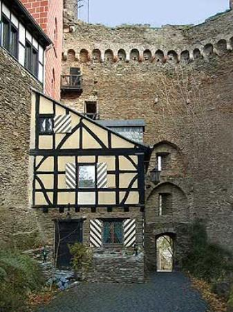Oberwesel, เยอรมนี: doorkeeper house our room Castle Schonburg