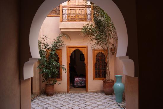 Dar Tasnime: Riad courtyard